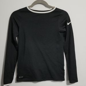 💥3 For $20💥 Nike Black Long Sleeve Shirt. Large